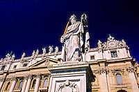 Piazza San Pietro (St. Peter's Square), St. Peter's (Basilica di San Pietro), Vatican, Rome, Italy
