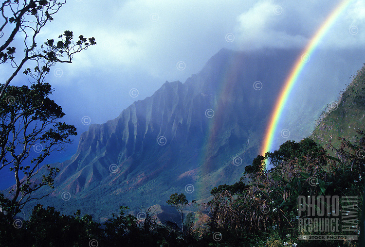 Kalalau valley w/ rainbow, Kauai