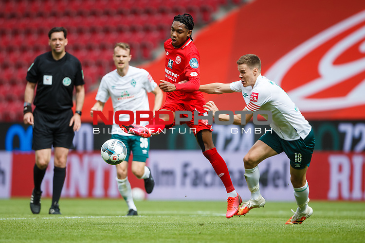 Jean Paul Boetius (FSV Mainz 05) im Zweikampf mit Niklas Moisander (SV Werder Bremen), <br /> <br /> Sport: Fussball: 1. Bundesliga:: nphgm001:  Saison 19/20: 33. Spieltag: 1. FSV Mainz 05 vs SV Werder Bremen 20.06.2020<br /> Foto: Neis/Eibner/Pool/via gumzmedia/nordphoto<br />