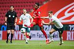 Jean Paul Boetius (FSV Mainz 05) im Zweikampf mit Niklas Moisander (SV Werder Bremen), <br /> <br /> Sport: Fussball: 1. Bundesliga:: nphgm001:  Saison 19/20: 33. Spieltag: 1. FSV Mainz 05 vs SV Werder Bremen 20.06.2020<br /> Foto: Neis/Eibner/Pool/via gumzmedia/nordphoto<br /><br />DFB regulations prohibit any use of photographs as image sequences and/or quasi-video.<br />Editorial Use ONLY<br />National and International News Agencies OUT<br />  DFL REGULATIONS PROHIBIT ANY USE OF PHOTOGRAPHS AS IMAGE SEQUENCES AND OR QUASI VIDEO<br /> EDITORIAL USE ONLY<br /> NATIONAL AND INTERNATIONAL NEWS AGENCIES OUT