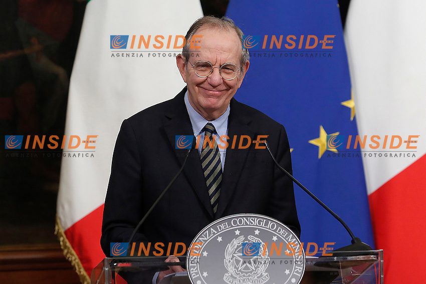 Pier Carlo Padoan<br /> Roma 28-11-2016. Palazzo Chigi. Conferenza stampa del Premier e del Ministro dell'Economia.<br /> Rome November 28th 2016. Italian Premier and the Minister of Economy in press conference at Palazzo Chigi.<br /> Foto Samantha Zucchi Insidefoto