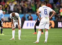 FUSSBALL WM 2014  VORRUNDE    GRUPPE D     Uruguay - England                     19.06.2014 Steven Gerrard (li) und Phil Jagielka (re, beide England) sind nach dem Abpfiff enttaeuscht