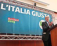 NAPOLI   INCONTRO ELETTORALE DEL PARTITO DEMOCRATICO IN CAMPANIA.NELLA FOTO PIERLUIGI BERSANI.FOTO CIRO DE LUCA