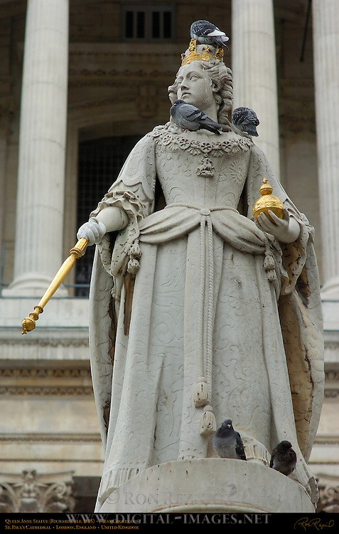 Queen Anne Statue, Richard Belt 1885, West Churchyard, St. Paul's Cathedral, Ludgate Hill, London, England, UK