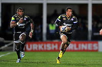 Anthony Watson of Bath Rugby goes on the attack. European Rugby Champions Cup match, between Bath Rugby and Leinster Rugby on November 21, 2015 at the Recreation Ground in Bath, England. Photo by: Patrick Khachfe / Onside Images