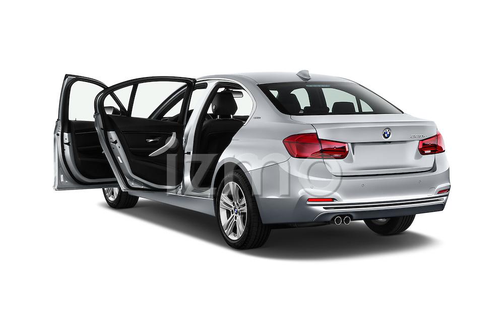 Car images of 2017 BMW 3-Series 330e-iPerformance 4 Door Sedan Doors