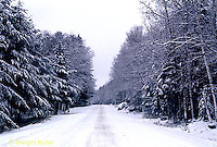 WT06-001z  Weather - snow covered road