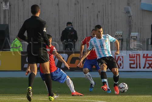 04.07.2015. Santiago, Chile. Copa America football final. Chile versus Argentina at the National Stadium Nacional Julio Martinez Pradanos, Santiago. Agüero on the ball for Argentina