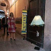 Il FuoriSalone 2010 nelle vie di centrali Milano..Via Montenapoleone..street life in Napoleone street during the International Furniture show in Milan