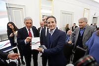 Antonio Bassolino e Stefano Caldoro interviene alla presentazione di un libro