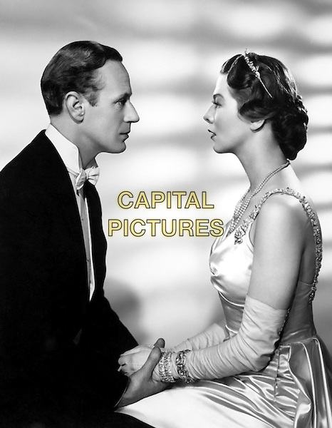 Leslie Howard & Wendy Hiller.in Pygmalion.*Filmstill - Editorial Use Only*.CAP/PLF.Supplied by Capital Pictures.