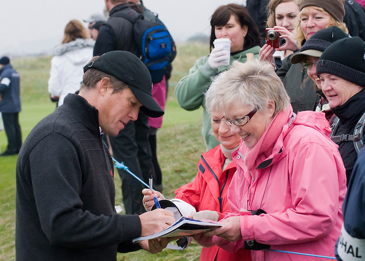 ALFRED DUNHILL LINKS CHAMPIONSHIP, ST.ANDREWS..HUGH GRANT AT CARNOUSTIE..9-10-2010 PIC BY IAN MCILGORM