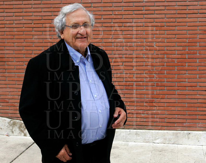"Lo scrittore israeliano Abraham Yehoshua ritratto a Roma, 27 marzo 2010, in occasione della rassegna ""Libri come. Festa del libro e della lettura""..Israeli writer Abraham Yehoshua portrayed in Rome, 27 march 2010, in occasion of the literary review ""Libri come. Festa del libro e della lettura""..UPDATE IMAGES PRESS/Riccardo De Luca"