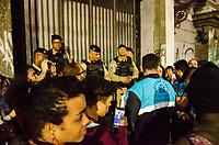 RIO DE JANEIRO, RJ, 12.09.2018 - OCUPAÇÃO-RJ - Casarão que foi sede do Automovel Clube do Brasil que esta abandonado desde 2016, foi ocupado desde sábado por um grupo de ativistas com o intuito de revitalizar o predio e transformar em no Centro Cultural Marielle Franco. Saiu uma determinação para desocupação pelo Paulo Messina, secretário da casa civil, Lapa no Rio de Janeiro (RJ), nesta quarta-feira (12) (Foto: Vanessa Ataliba/Brazil Photo Press)