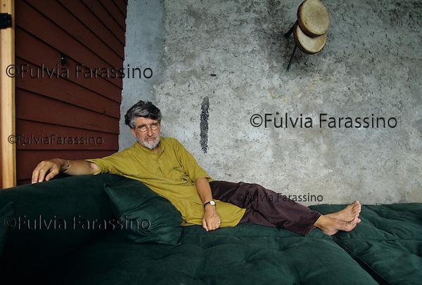 Meina, Lago Maggiore, 1995, Valerio Adami nel suo studio; Meina, Lake Maggiore, 1995, Valerio Adami in his studio