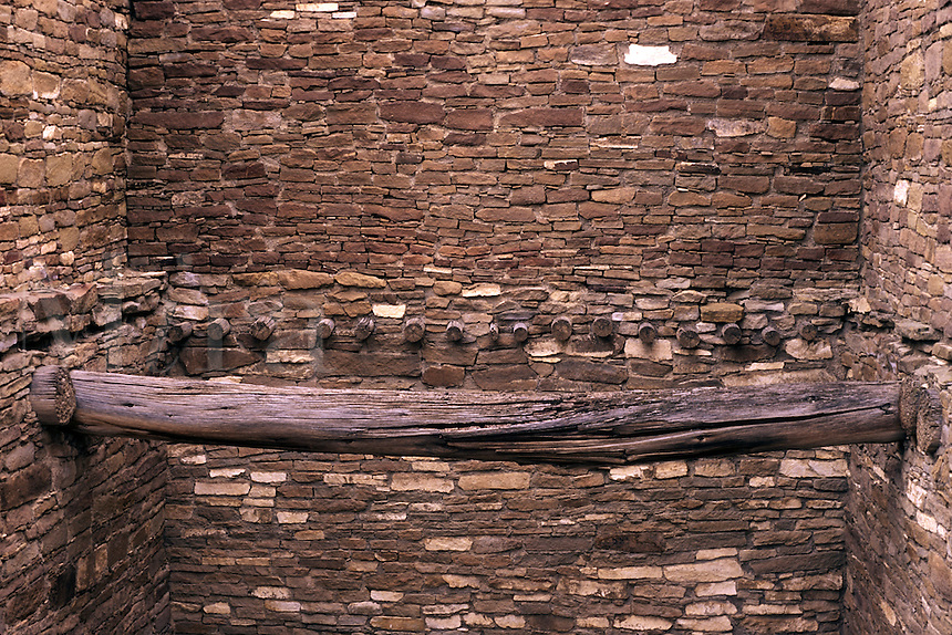 Stone masonry and timbers, Pueblo del Arroyo, Chaco Culture National Historical Park, New Mexico