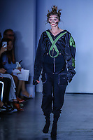 NOVA YORK, EUA, 09.09.2018 - MODA-EUA - Modelo desfila para grife F/FFFFFF durante na New York Fashion Week na cidade de Nova York nos Estados Unidos neste domingo, 09. (Foto: Vanessa Carvalho/Brazil Photo Press)