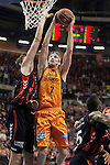Valencia Basket Club's Justin Doellman (r) and Laboral Kutxa Baskonia's Tibor Pleiss during Spanish Basketball King's Cup match.February 7,2014. (ALTERPHOTOS/Acero)