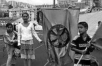 Genova 19 Luglio 2001.G8.Stadio Carlini .Bambini Rom della comunità macedone di Roma
