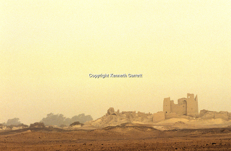 Egypt; Ancient Cultures; Archaeologist; Salima Ikram; Kharga Oasis; Desert; oasis; structure; Kharga; Archaeology; Darb el-Arbaein; route; trade; desert; fort; Roman; dune