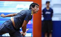 SAO PAULO, SP, 13 FEVEREIRO 2013 - BRASIL OPEN TENIS -  O tenista David Nalbandian (ARG) (branco)  em lance contra o tenis Jorge Aguilar (CHI) durante partida válida pelo Brasil Open 2013, no ginásio do Ibirapuera, zona sul da capital paulista, nesta quarta-feira, 13. (FOTO: VANESSA CARVALHO / BRAZIL PHOTO PRESS).