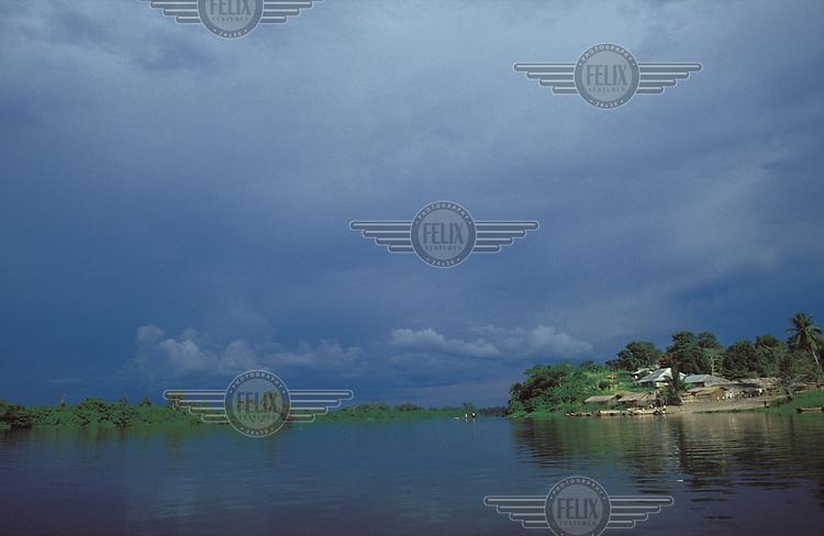 © Jerry Callow / Panos Pictures..DEMOCRATIC REPUBLIC OF CONGO..The River Congo.