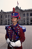 Amérique/Amérique du Sud/Pérou/Lima : Garde devant le Palais Présidentiel Palacio de Gobierno (1938 - Style baroque français)