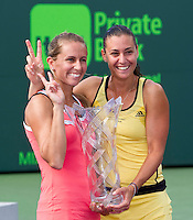 Gisela DULKO (ARG) and Flavia PENNETTA (ITA) against Sam STOSUR (AUS) and Nadia PETROVA (RUS) in the finals of the women's doubles. Gisela Dulko & Flavia Pennetta beat Nadia Petrova & Sam Stosur 4-6 (10-7)..International Tennis - 2010 ATP World Tour - Sony Ericsson Open - Crandon Park Tennis Center - Key Biscayne - Miami - Florida - USA - Sun 4 Apr 2010..© Frey - Amn Images, Level 1, Barry House, 20-22 Worple Road, London, SW19 4DH, UK .Tel - +44 20 8947 0100.Fax -+44 20 8947 0117