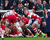 4th November 2017, Welford Road, Leicester, England; Anglo-Welsh Cup, Leicester Tigers versus Gloucester;  Ben Vellacott spins the ball out wide for Gloucester