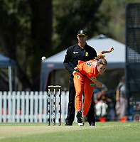 24th November 2019; Lilac Hill Park, Perth, Western Australia, Australia; Womens Big Bash League Cricket, Perth Scorchers versus Sydney Sixers; Natalie Sciver of the Perth Scorchers bowls the first ball of the day to pick up the wicket of Alyssa Healy of the Sydney Sixers - Editorial Use