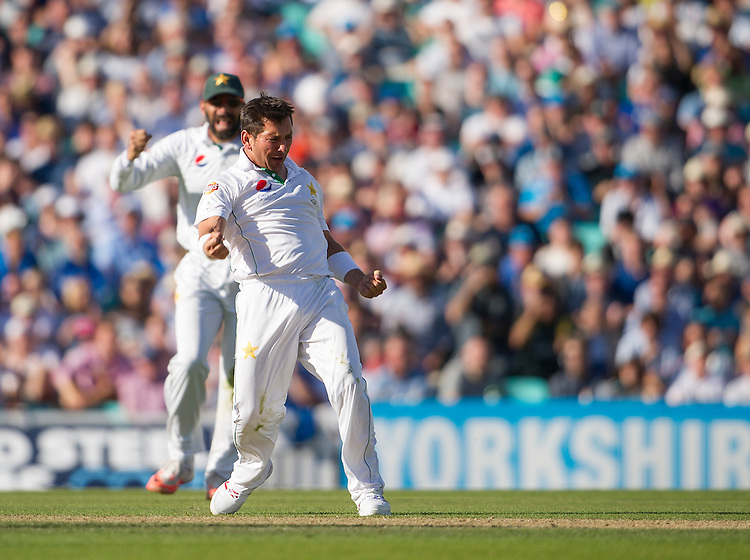 Pakistan's Yasir Shah celebrates taking the wicket of England's Alex Hales - Alex Hales lbw Yasir Shah 12<br /> <br /> Photographer Ashley Western/CameraSport<br /> <br /> International Cricket - 4th Investec Test - England v Pakistan - Day 3 - Saturday 13th August 2016 - The Oval - London<br /> <br /> World Copyright &copy; 2016 CameraSport. All rights reserved. 43 Linden Ave. Countesthorpe. Leicester. England. LE8 5PG - Tel: +44 (0) 116 277 4147 - admin@camerasport.com - www.camerasport.com