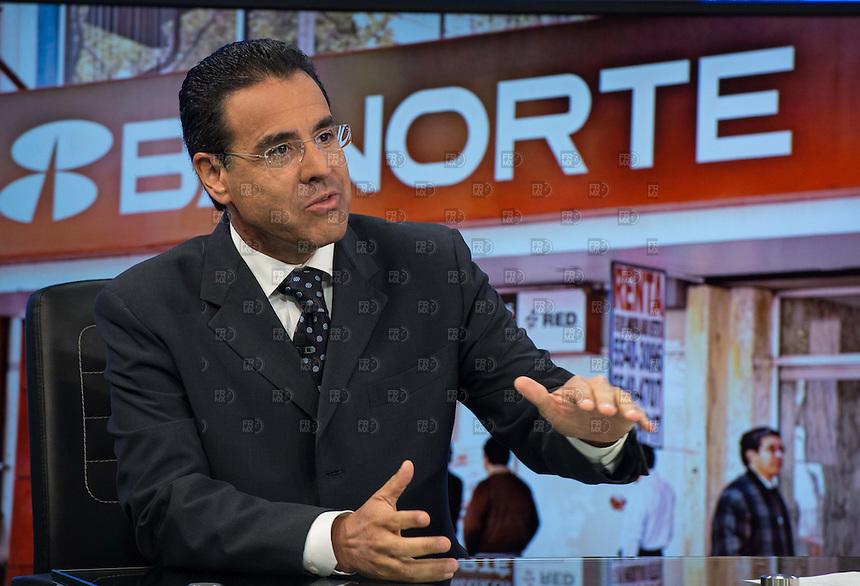 CIUDAD DE MÉXICO, julio 28, 2014. Alejandro Valenzuela del Río, Director General de Grupo Financiero Banorte durante el programa de Carlos Mota en El Financiero Bloomberg Tv, el 28 de julio de 2014.  FOTO: ALEJANDRO MELÉNDEZ