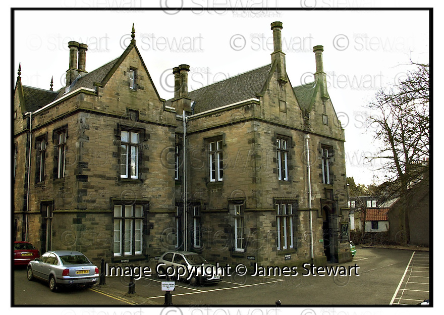 18th April 2001    Copyright Pic : James Stewart .Ref :                           .File Name : stewart03-linlithgow court.GENERAL VIEW OF LINLITHGOW SHERIFF COURT....James Stewart Photo Agency, Stewart House, Stewart Road, Falkirk. FK2 7AS      Vat Reg No. 607 6932 25.Office : +44 (0) 1324 630007     Mobile : 07721 416997.Fax     :  +44 (0) 1324 630007.E-mail : jim@jspa.co.uk.If you require further information then contact Jim Stewart on any of the numbers above.........