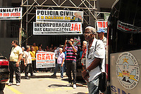RIO DE JANEIRO, RJ, 12.11.2013 - ATO SINDICATO POLICIAIS CIVIS RJ - O sindicato dos policiais civis do Rio de Janeiro realizam ato por melhores salários e condições de trabalho nessa terça 12. (Foto: Levy Ribeiro / Brazil Photo Press)