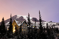 Paradise Inn Lodge and Mount Rainier, Paradise, Mount Rainier National Park, Washington, USA