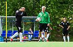 Stockholm 2014-06-07 Fotboll Superettan Hammarby IF - Tr&auml;ning :  <br /> tr&auml;nare Nanne Bergstrand i samtal med Kennedy Bakircioglu under Hammarbys tr&auml;ning p&aring; &Aring;rsta IP den 7 juni 2014<br /> (Foto: Kenta J&ouml;nsson) Nyckelord:  Superettan  HIF Bajen Tr&auml;ning &Aring;rsta IP