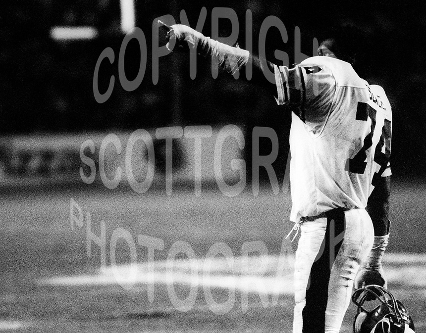 Mark Seale Ottawa Rough Riders 1979. Photo F. Scott Grant