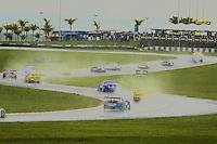GOIÂNIA,GO.06.11.2016 - STOCK CAR-GO - Chuva durante  corrida na etapa Goiânia no autódromo internacional Ayrton Senna, na cidade de Goiânia neste domingo (06) (Foto: Marcos Souza/Brazil Photo Press)