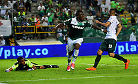 CALI - COLOMBIA - 15 - 10 - 2017: Miguel Murillo, jugador de Deportivo Cali celebra el gol anotado a La Equidad, durante partido de la fecha 15 entre Deportivo Cali y La Equidad, por la Liga Aguila II- 2017, jugado en el estadio Deportivo Cali (Palmaseca) de la ciudad de Cali. / Miguel Murillo, player of Deportivo Cali celebrates a scored goal to La Equidad, during a match of the date 15th between Deportivo Cali and La Equidad, for the Liga Aguila II- 2017 at the Deportivo Cali (Palmaseca) stadium in Cali city. Photo: VizzorImage  / Nelson Rios / Cont.