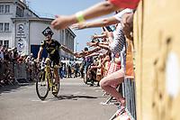 Jérôme Cousin (FRA/Direct Energie) having some fun pre race <br /> <br /> Stage 6: Brest > Mûr de Bretagne / Guerlédan (181km)<br /> <br /> 105th Tour de France 2018<br /> ©kramon