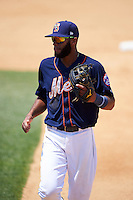 Binghamton Mets shortstop Amed Rosario (1) jogs to the dugout during a game against the Richmond Flying Squirrels on June 26, 2016 at NYSEG Stadium in Binghamton, New York.  Binghamton defeated Richmond 7-2.  (Mike Janes/Four Seam Images)