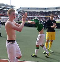Fussball 1. Bundesliga   Saison  2012/2013   34. Spieltag   1. FC Nuernberg - SV Werder Bremen       18.05.2013 Kevin De Bruyne, Zlatko Junuzovic und Torwart Sebastian Mielitz (v.li., alle SV Werder Bremen) mit Dank an die mitgereisten Werder Fans