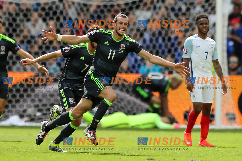 Gareth Bale of Wales celebrates after scoring his side's first goal  <br /> Lens 16-06-2016 Stade Bollaert-Delelis Footballl Euro2016 England - Wales / Inghilterra - Galles Group Stage Group B. Foto Daniel Chesterton / PHC / Panoramic / Insidefoto
