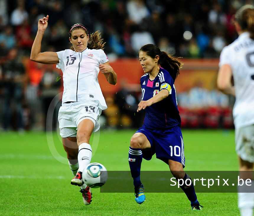 Fifa Women's World Cup Germany 2011 : Japan - USA  at Commerzbank Arena Frankfurt : Alex Morgan in duel met Homare Sawa.foto DAVID CATRY / Vrouwenteam.be