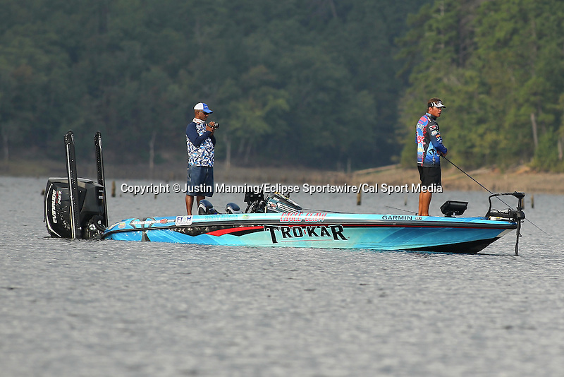 August 22, 2015: Scott Martin fishing schooling fish on day three of the Forrest Wood Cup on Lake Ouachita in Hot Springs, AR. Justin Manning/ESW/CSM