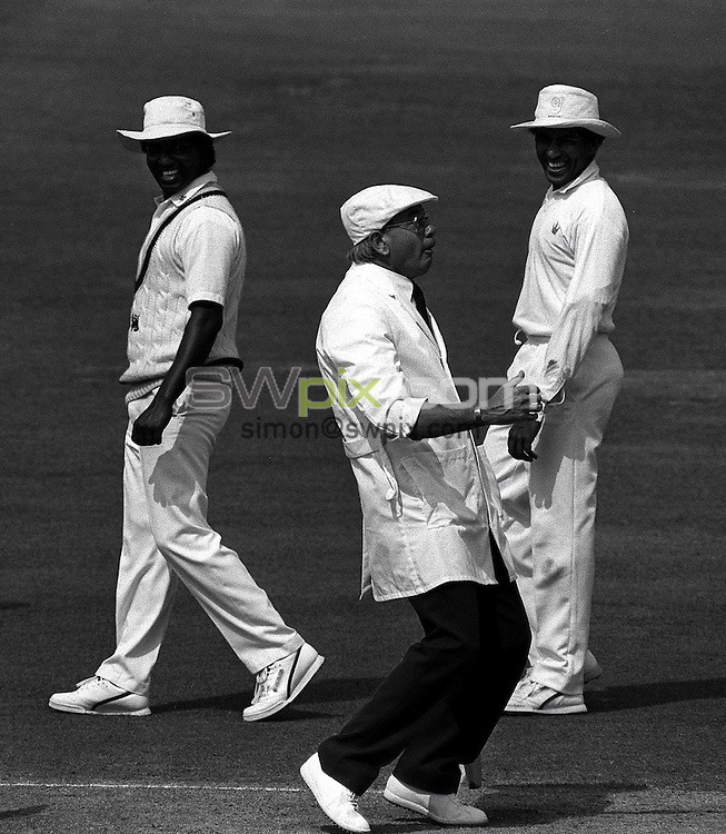 Pix:Michael Steele/SWpix...Cricket. England v Sri Lanka, Lords...COPYRIGHT PICTURE>>SIMON WILKINSON..Dickie Bird.