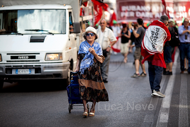 Unknwon, Protester.<br />