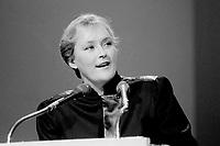 FILE PHOTO : Pauline Marois<br /> ,  Hommage a Rene Levesque, le 27 septembre 1985<br /> <br /> PHOTO : Denis Alix -  Agence Quebec Presse