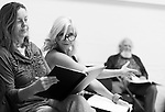 """King Lear"" rehearsed reading rehearsals. Old Vic Theatre. Director: Jonathan Miller. L to R: Greta Scacchi, Felicity Dean, Joss Ackland."