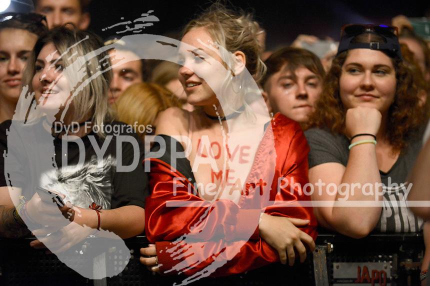 Festivalbesucher auf dem Lollapalooza Festival 2016 im Treptower Park. Berlin, 11.09.2016